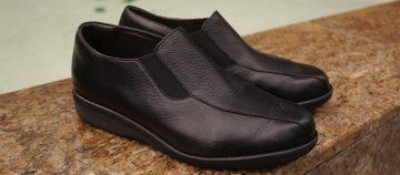 柔らかく、楽に履ける靴