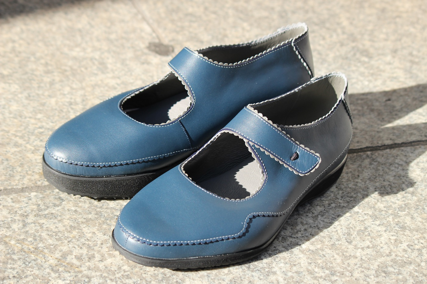 洋服を選ぶのが楽しくなる靴