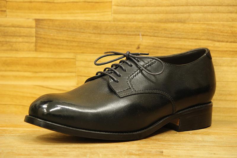 スーツに合った本格的な靴