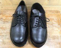 義足で履く頑丈な靴