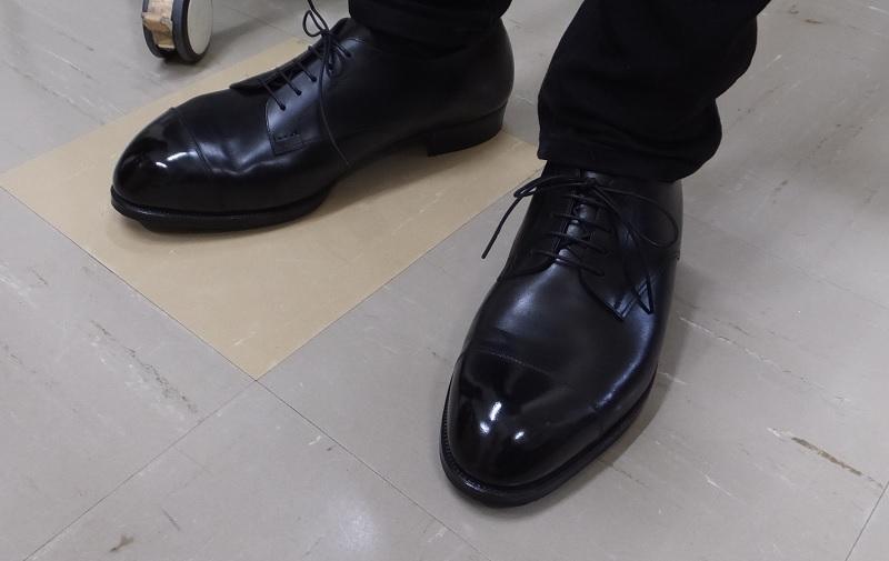 上質な革と手縫い靴