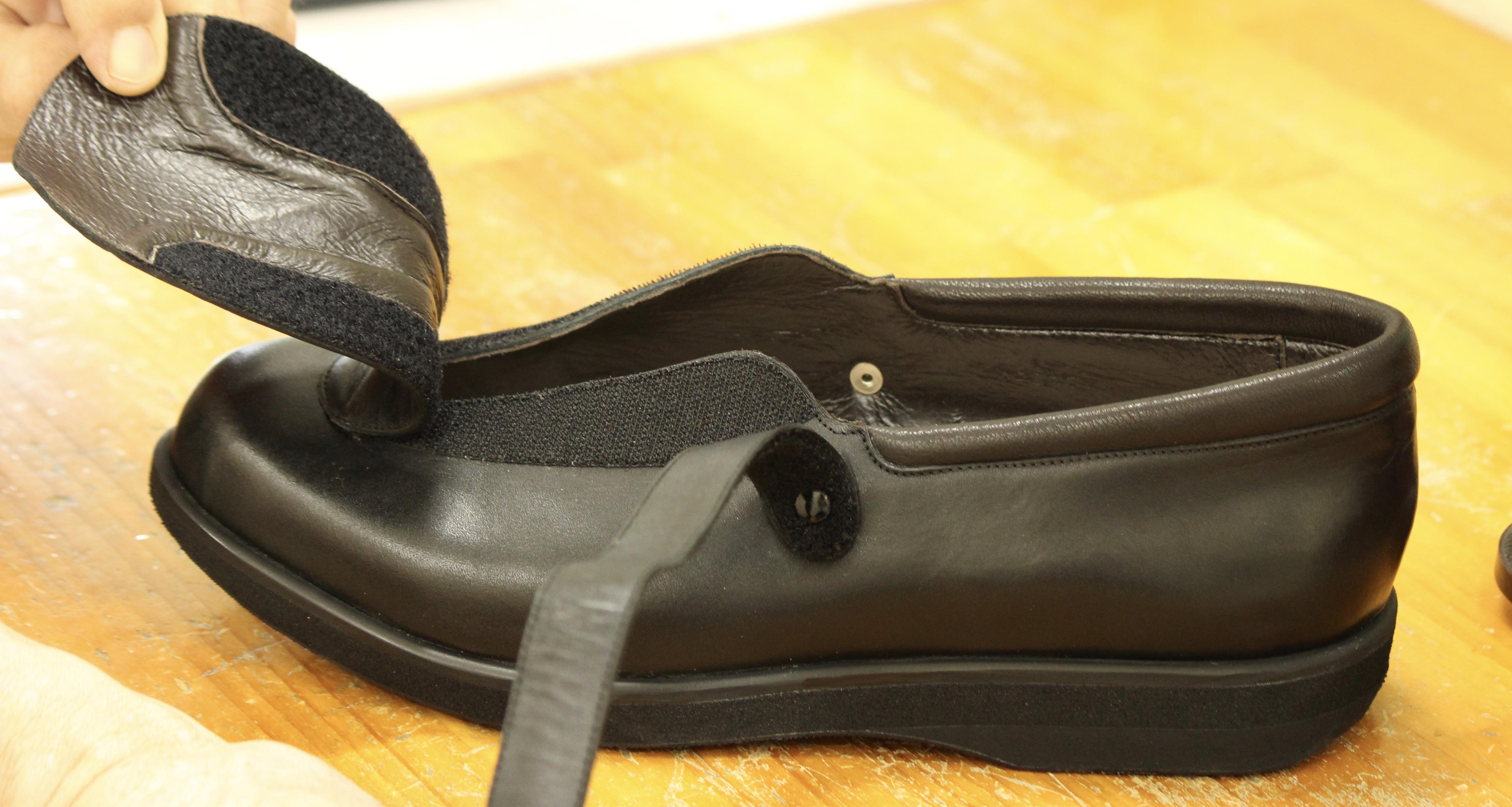 靴の着脱が難しい方に