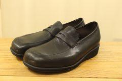 学校用の靴